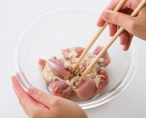 鶏肉マスタードまぜる